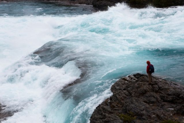アイセン、チリ。2010年2月17日。ハイドロ・アイセンプロ・ジェクトのための巨大なダムの一基の建設が予定されているリオ・バケルとリオ・ネフの合流点。©Daniel Beltra.『Patagonia's Rio Baker - What Will Be Lost』から抜粋。