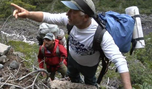 写真:イヴォン・シュイナードとジェフ・ジョンソン。『180° South』からのスクリーンショット