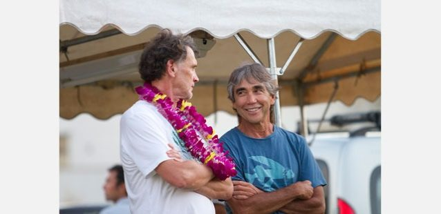 ジェリー・ロペス(右)とウェイン・リンチ。