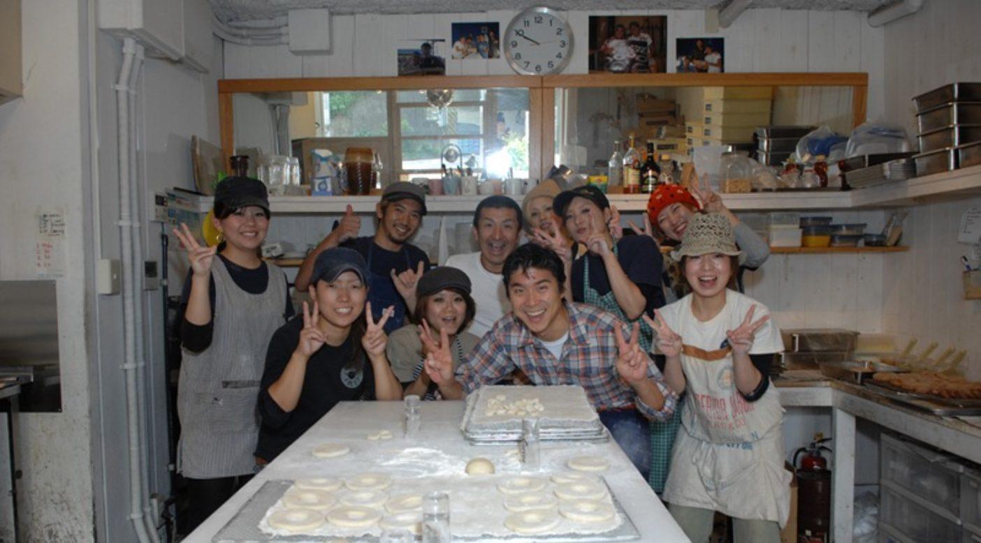 Canezees Donuts (ケンジーズドーナツ)にて。Photo: Mark Shimahara