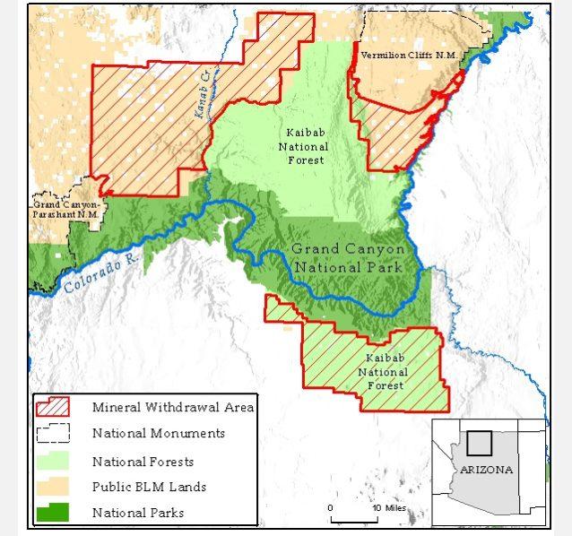 グランド・キャニオン国立公園の北、東、そして南部の3区画に広がる100万エーカーの採掘撤回地域。Map:Center for Biological Diversity