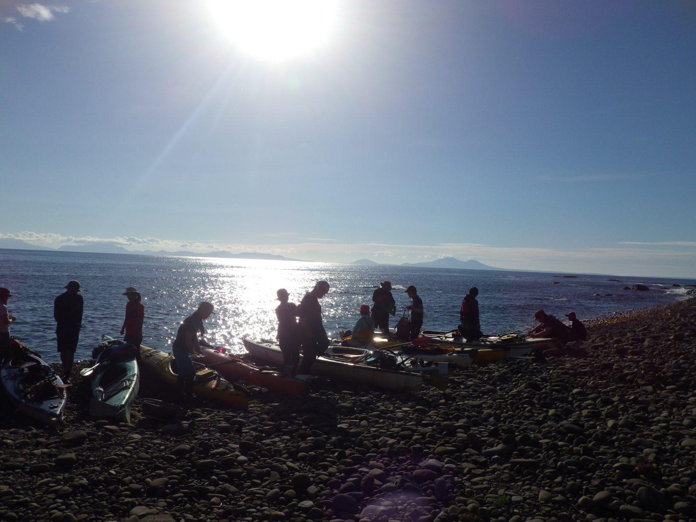 北方領土・国後島を望む穏やかな朝。写真:島田和彦