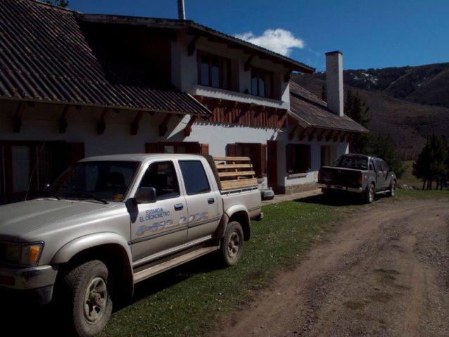 エル・クロノメトロの所有者はチリ在住のプロサッカー選手。牧場の自然環境を懸念し、昨年オーヴィスXXIとの協力をはじめた。羊は持続可能な放牧プロトコルのもと、エル・クロノメトロの草原再生に役立つ方法で管理されている。これは牧場主にも自然にも大きなメリットがある。