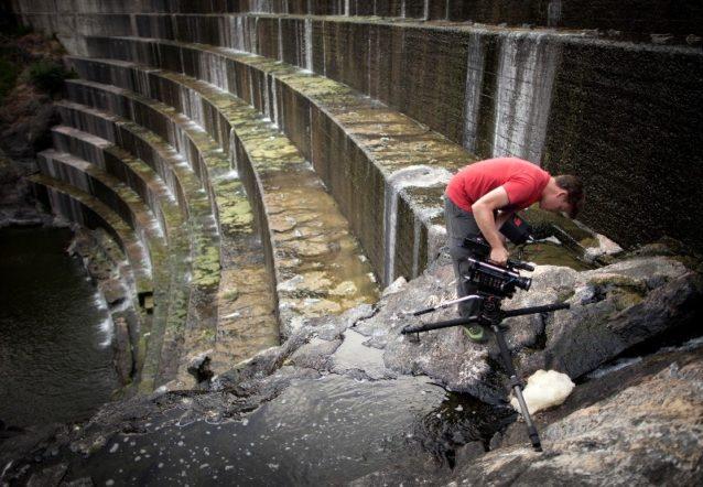 『ダムネーション』の撮影現場での共同ディレクター、トラビス・ラメル。Photo: DamNation
