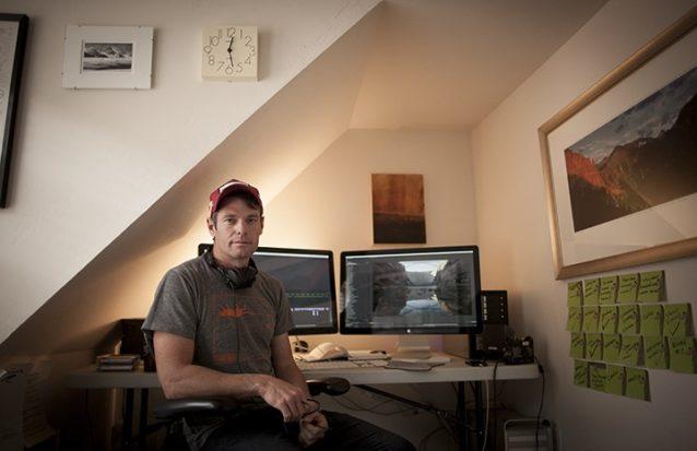 『ダムネーション』の編集者ベン・ナイト。コロラド州テリュライドにある彼のオフィスにて。Photo: DamNation