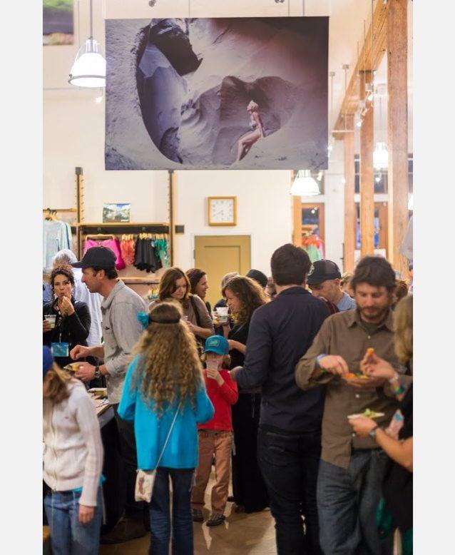 封切り後のパタゴニアのオースティン店でのパーティーの様子。Photo: Jared Tennant
