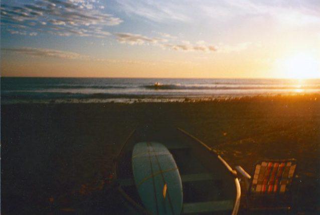 父の工芸品と太平洋沿岸。Photo: Joe Curren