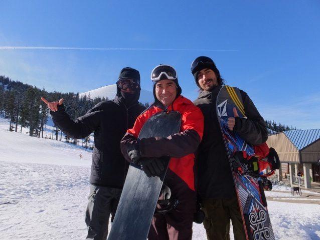 左からフォレスト、ジェリーさん、アレックス・ロペス。写真:辰己 博実