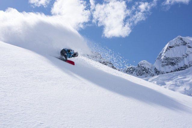ジャンボ峠付近のアレックス・ヨーダー。カナダ、ブリティッシュ・コロンビア州 Photo: Steve Ogle