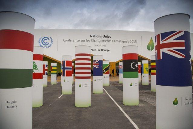 パリのすぐ北で開かれた 気候会議に到着したときの光景。Photo:Kodiak Greenwood