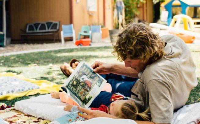 職場の託児所はお父さんと娘の両方にとってかけがえのないもの。パタゴニア本社 Photo: Kyle Sparks