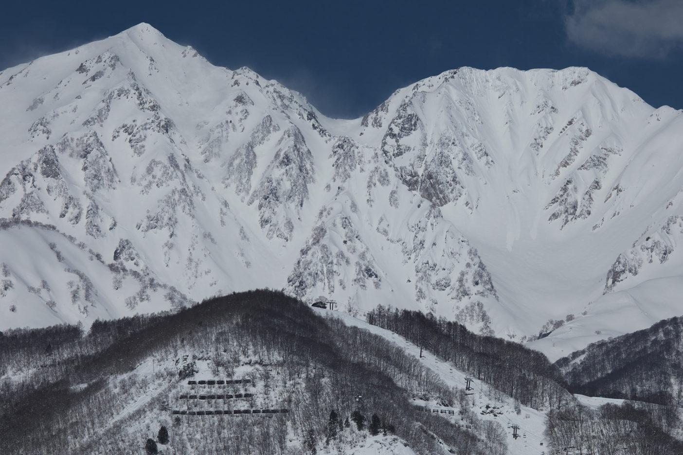 白馬村より白馬鑓ヶ岳杓子岳 写真:松岡祥子