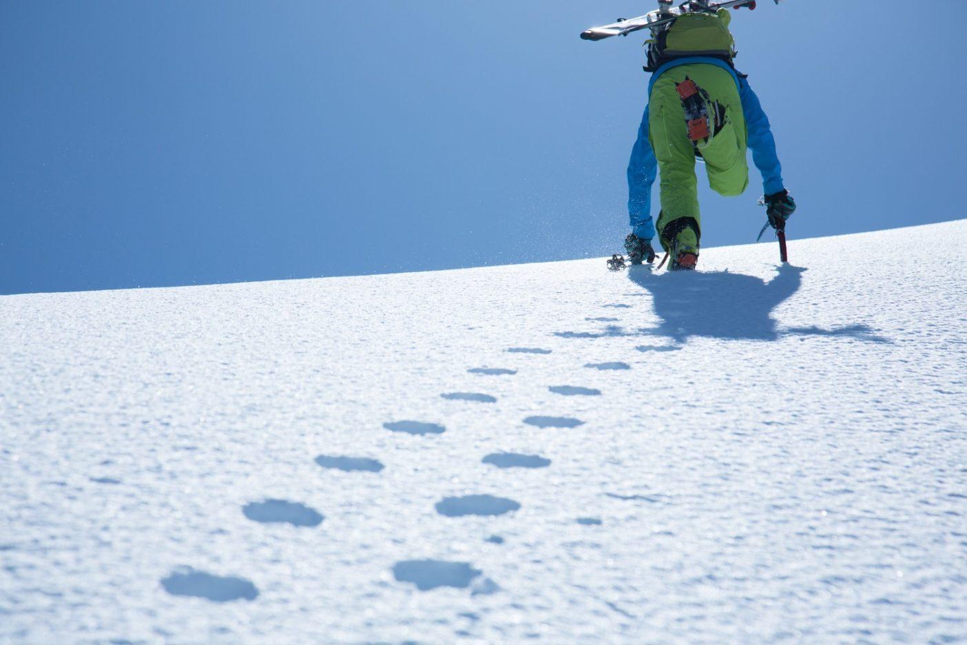 黒部横断水晶岳への登り。写真:松岡祥子