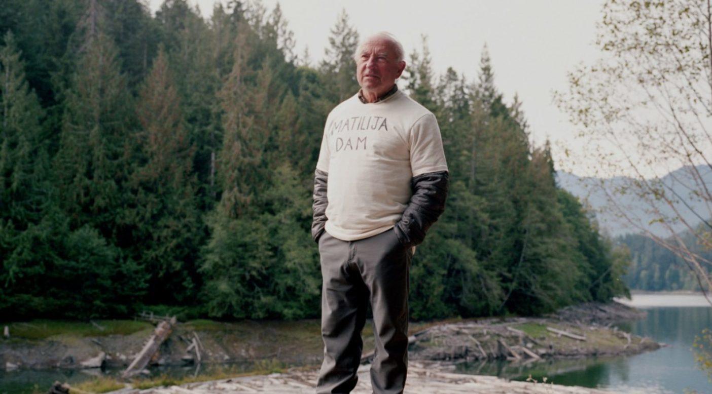 米国史上最大の素晴らしい機会となった、エルワ・ダム撤去の開始に居合わせるイヴォン・シュイナード。ワシントン州クララム郡 Photo: Michael Hanson