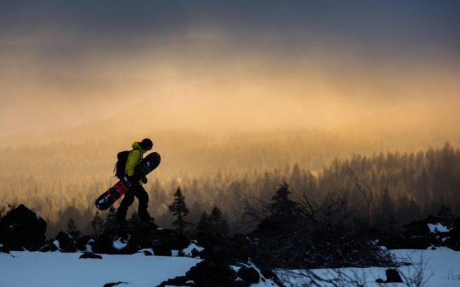 自分の裏庭にマウント・マクラフリンのような予期せぬ秘宝が隠されているのなら、冬中オレゴンにとどまるのはちっとも悪くない。Photo: TYLER ROEMER