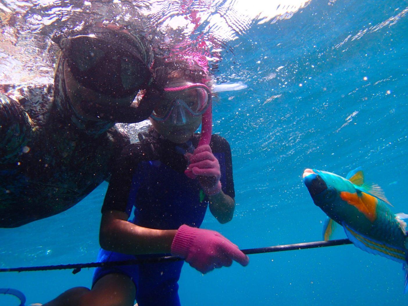 魚のとりかたは子供たちにも教えている。写真:眞木勇人