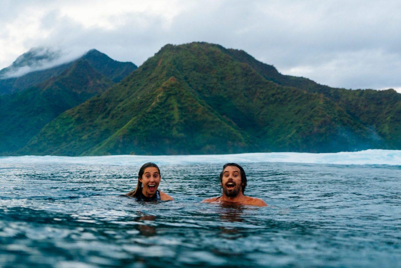 デイヴと彼のパートナーで著作家であり活動家のローレン・ヒル。これは彼女にとって初のチョープーでのサーフィンだった。彼女はとにかくチャージしていた!Photo: Donnie Hedden