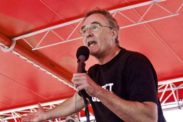 レディ・ムーン・ファームの農家トム・ベダード