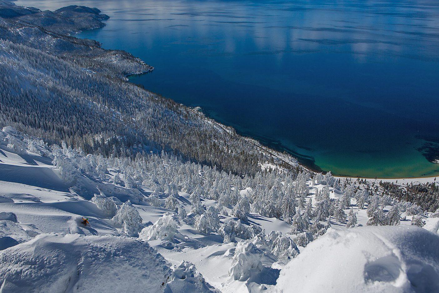 めったにお目にかかれない冬のあいだに湖まで一気に滑り降りるデイン・シャノン。 Photo: Ryan Salm