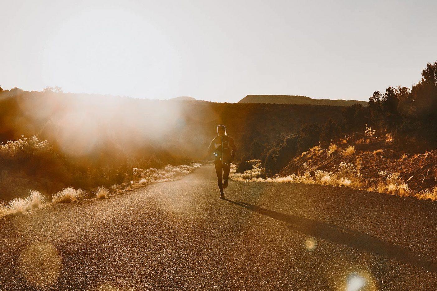 メッセンジャーたち:ベアーズ・イヤーズとグランド・ステアケース・エスカランテを走る250マイルリレー