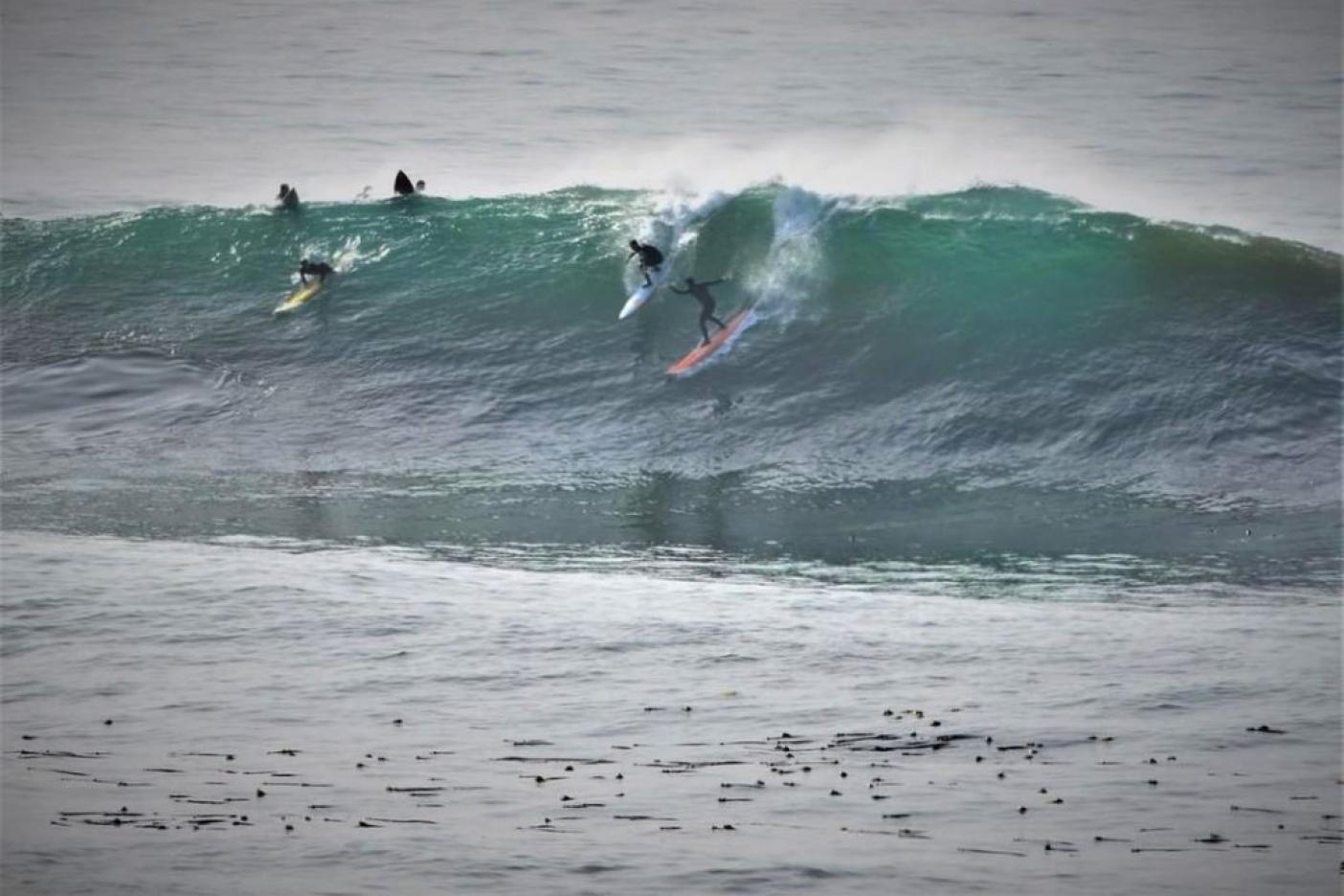 3時間でやっと1つ波に乗れたときのうれしさ。手術を控え、この冬はどんな波でもいつもより楽しかった。Photo: J. Alec Smith