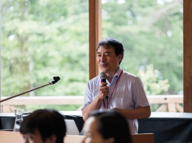 基調講演者の飯田哲也氏。