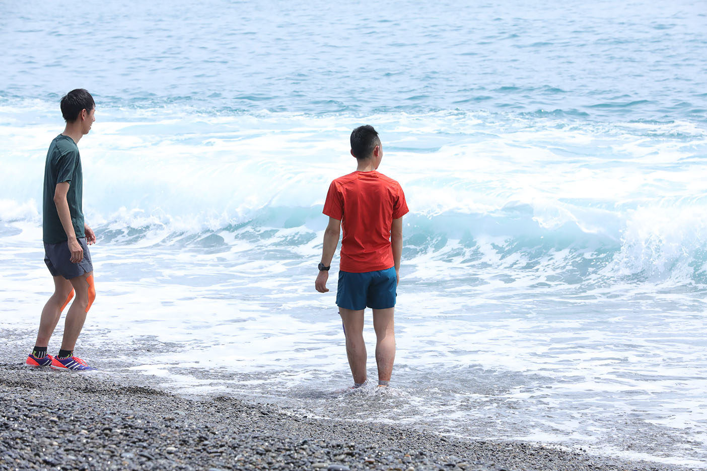 辿り着いたゴール七里御浜の海