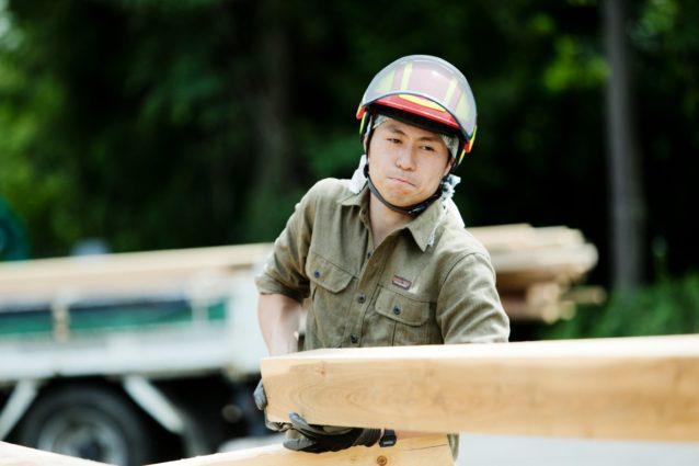 FM認証を受けた社有林で切り出された材は地元の製材場で加工し、FSCマーク付きの木材として販売される。写真:五十嵐 一晴