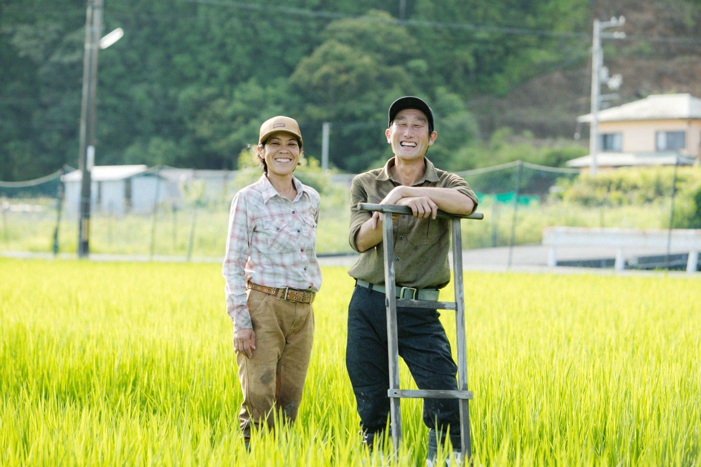 農作業に、山仕事に。八面六臂に活躍する田中夫妻愛用のワークウェア。写真:五十嵐 一晴