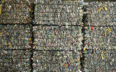 プラスチック問題についてパタゴニアが行なっていること