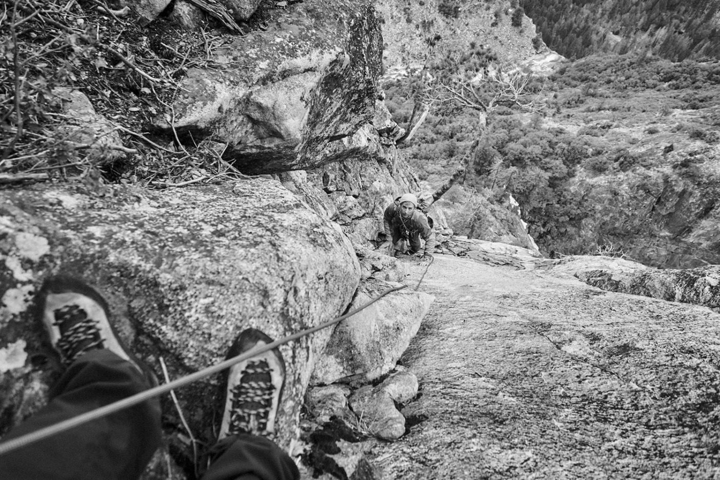 「ヨセミテ・バレーがこの国で最も影響力のある重要なロッククライミングエリアであることは、誰にも疑いのない事実である。またこの国最高のロッククライマーたちが、バレーを『クライマーとしての誕生地』とすることも事実だ」スティーブ・ローパー、『A Climber's Guide to Yosemite Valley』より Photo: Mikey Schaefer