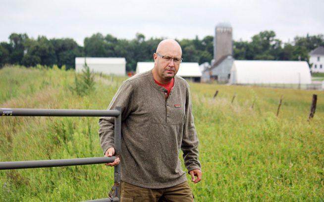 5世代目のネブラスカ州住民デル・フィッケは、1986年に不耕起栽培に切り替えた。その1年後、そこから16キロ圏内の農場すべてがそれに倣った。Photo: Del Ficke