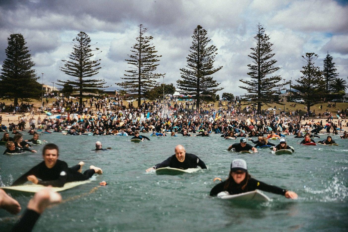 国民行動デーには、沿岸の60の町で2万人がパドルアウトし、エクイノール社が計画するバイトでの掘削に抗議した。オーストラリアで今までに行われた中で最大規模の海岸環境アクションとなった。Photo:JARRAH LYNCH