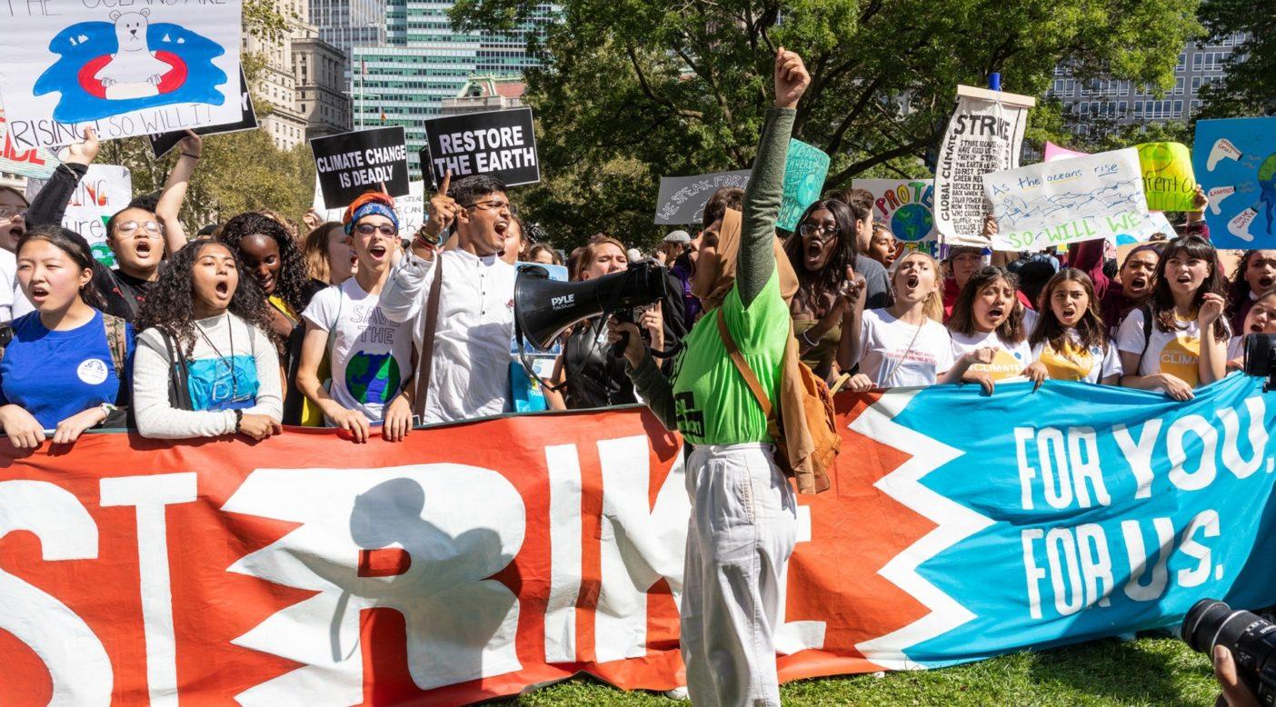 アイシャ・シディカは昨年9月20日、ニューヨーク市で25万人を街頭に動員したクライメート・ストライキの主催者のひとり。過去数週間、アイシャと活動家仲間は、組織作りをデジタルの領域に移行しなければならなかった。Photo:Keri Oberly