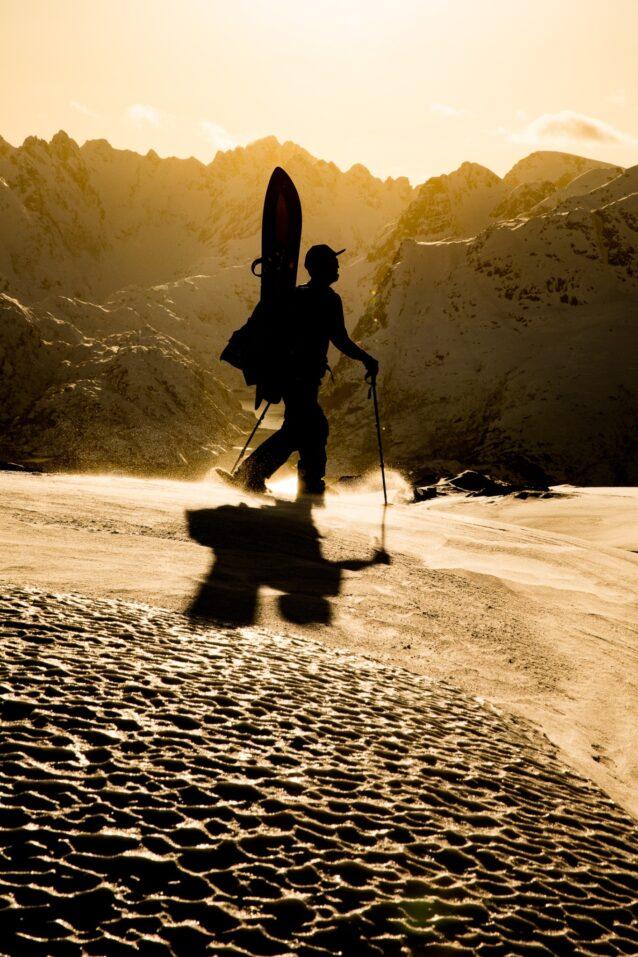 北ノルウェーにて:ゆっくりしっかり、オームは常に顔を上げ、至福の中にいる。Photo : ANDREW MILLER