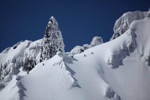 利尻山南稜にてデナリ南西壁のトレーニング山行ガイディング
