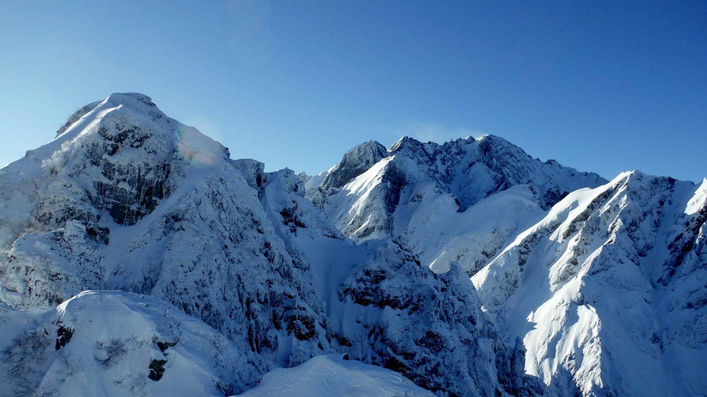北方稜線核心部より剱岳を望む。写真:鈴木 啓紀