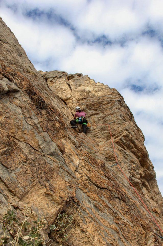 難所を登るタオ。Photo: Brittany Leavitt