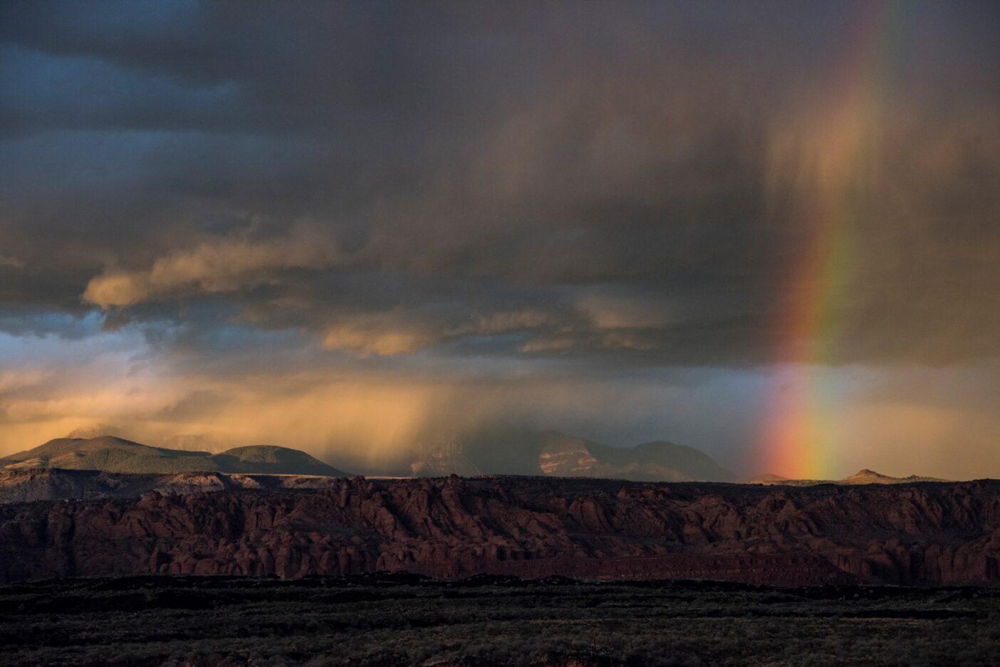 ユタ州セントジョージ付近の嵐と虹。Photo : Drew Smith