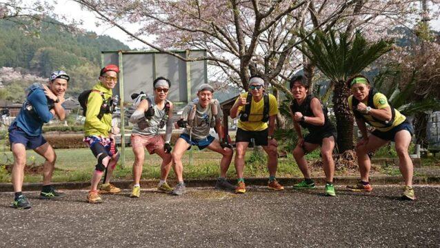 「第1回やっちろドラゴントレイル」の立ち上げメンバーの7名。すべてはここから始まった。写真:吉田 諭祐
