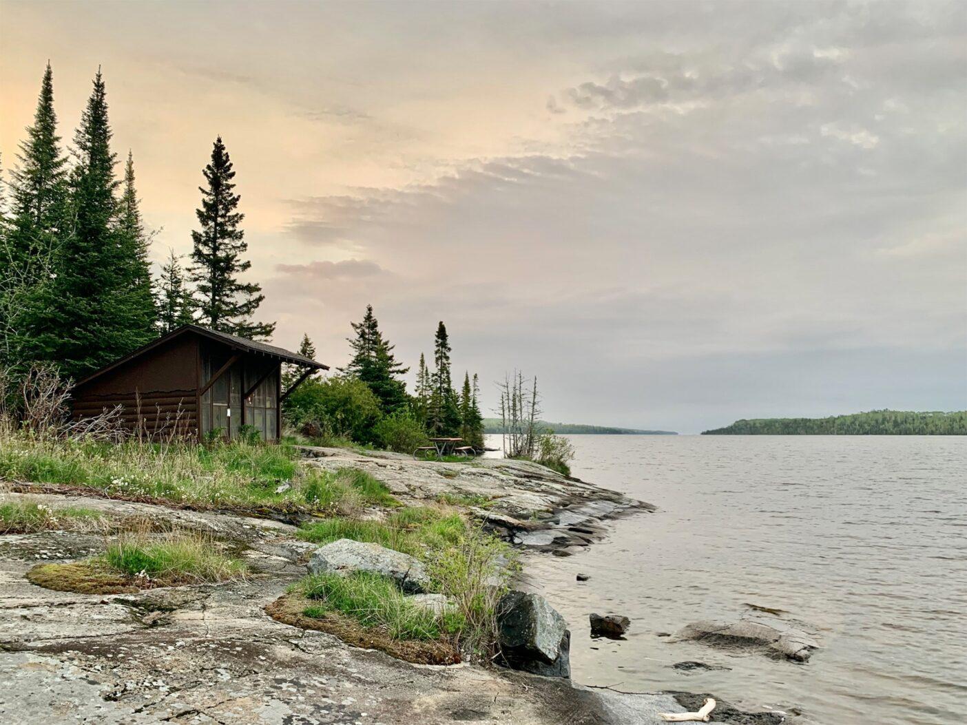 その夜の宿。モスキーベイシンのキャンプ場の避難小屋。Photo: Monica Prelle